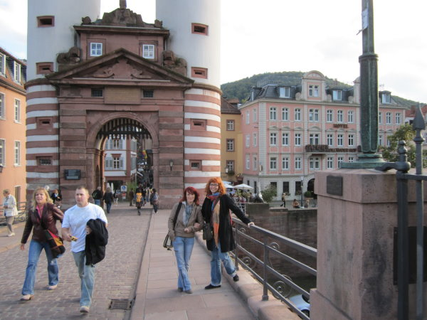 Conny und ich vor auf alten Brücke Heidelberg