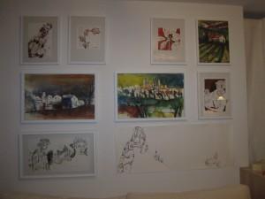 Meine Bilderwand zuhause, unten rechts ist Ithas Insel und die Aquarelle sind von Andreas Mattern - Foto von Susanne Haun