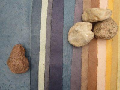 Mein Buchblock mit Steinen des Meeres - pure Spielerei von mir mit dem schönen Papier und dem Fotoapparat - Foto von Susanne Haun