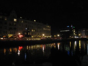 Der Schiffsbauerdamm gegen 23 Uhr - Foto von Susanne Haun