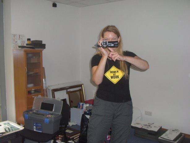 Petra filmt vier kleine Sequenzen, die ich in der nächsten Zeit auf youtube stelle - Foto von Susanne Haun