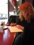 Skizzieren des Zuckerstreuers beim Morgenkaffee - Foto von Daniel Büchner