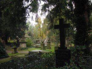 Wie in einem alten Film stehen die Kreuze - Foto von Susanne Haun