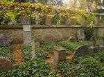 Die Familie Sello, königlicher Hofgärtner, hat einen ganzen Bereich des Friedhofs für sich und seine Familie reserviert - Foto von Susanne Haun