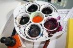 Die aero color muss für die Feder umgefüllt werden c) Foto von Susanne Haun