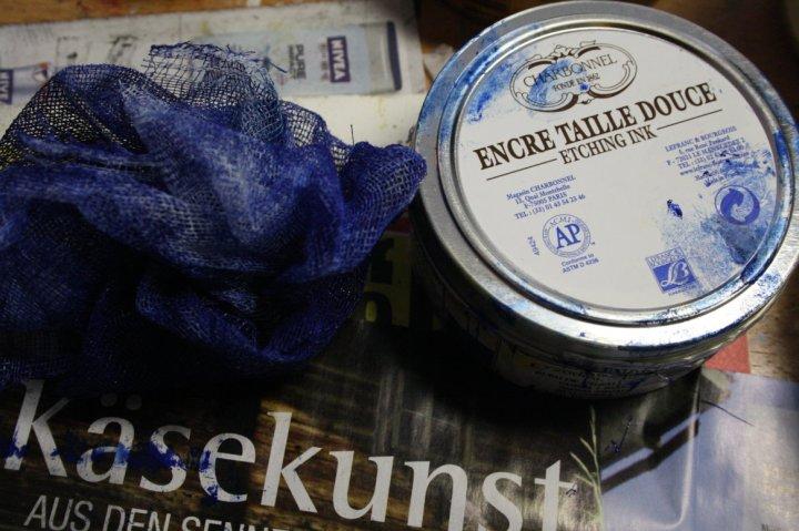 Ich drucke heute mit Kobald Blau (c) Foto von Susanne Haun