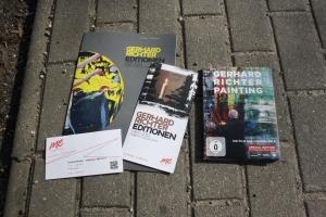 Ausstellung Gerhard Richter Editionen - Prospektmaterial und DVD (c) Foto von Susanne Haun