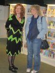 Vernissage Flughafen Tegel - ich mit meiner Schwägerin (c) Fotos von Susanne Bröer