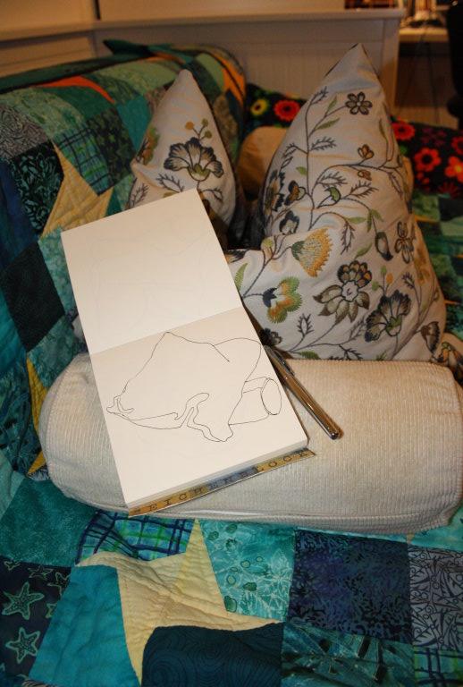 mein sofa und die kissen darauf als linien sehen zeichnung von susanne haun susanne haun. Black Bedroom Furniture Sets. Home Design Ideas