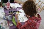 Doro hat sich Mais zum zeichnen mitgenommen (c) Foto von Susanne Haun
