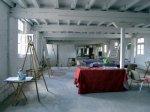 In Ruhe richte ich den Atelierraum für den Kurs (c) Foto von Susanne Haun
