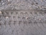 Spuren im Sand der B96 Version 1 (c) Foto von Susanne Haun