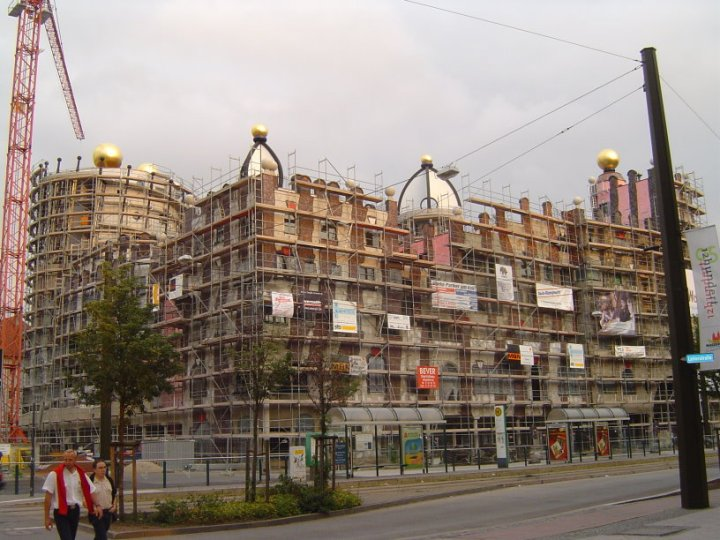 Das Hundertwasserhaus am 25.6.2005 (c) Foto von Susanne Haun