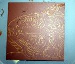 Ich zeichne das Motiv mit dem Stift gleich auf die Platte (c) Foto von Susanne Haun