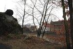 Die Klosterkirche neben dem alten Gymnasium von der anderen Seite der Mulde aus (c) Foto von Susanne Haun
