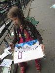 Schon in dem alter hat jedes Kind seine eigene Art zu zeichnen (c) Foto von Susanne Haun