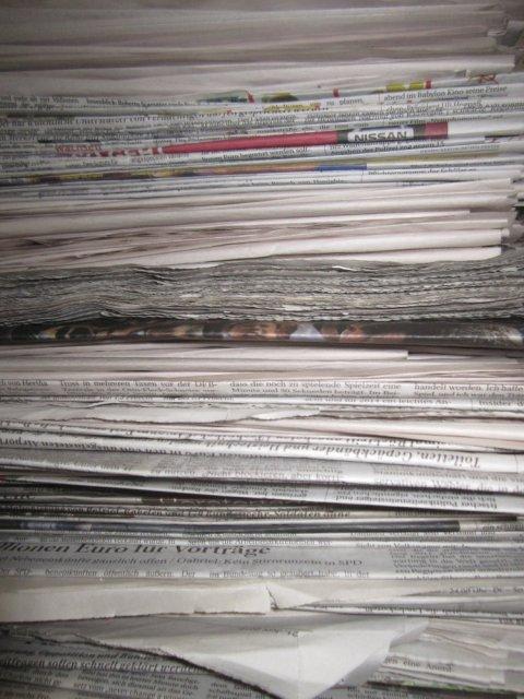 Unterlagen Papier Stapel Version 1 (c) Foto von Susanne Haun