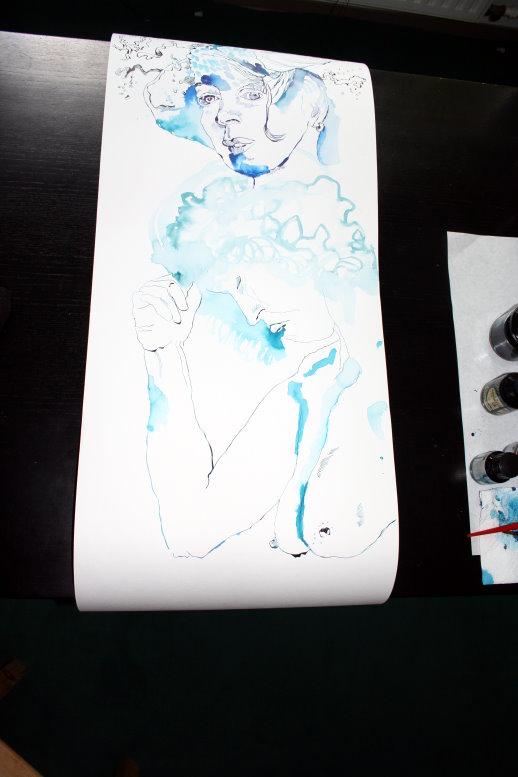 Unter die Hexe kommt eine entspannte nackte Frau (c) Zeichnung von Susanne Haun