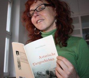 Ich mit den Asturischen Tiergeschichten (c) Foto von Susanne Haun