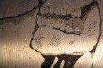 Das Kolophonium ist noch auf der Platte (c) Foto von Susanne Haun