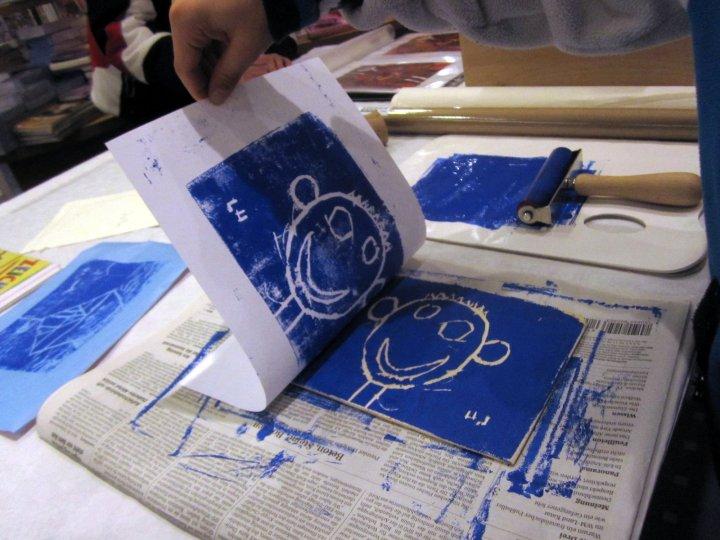 Buchvorstellung Holz- und Linolschnitt bei Thalia (c) Foto von Susanne Haun