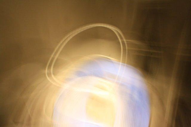 Die thronende Maria - Lichtspuren  (c) Foto von Susanne Haun