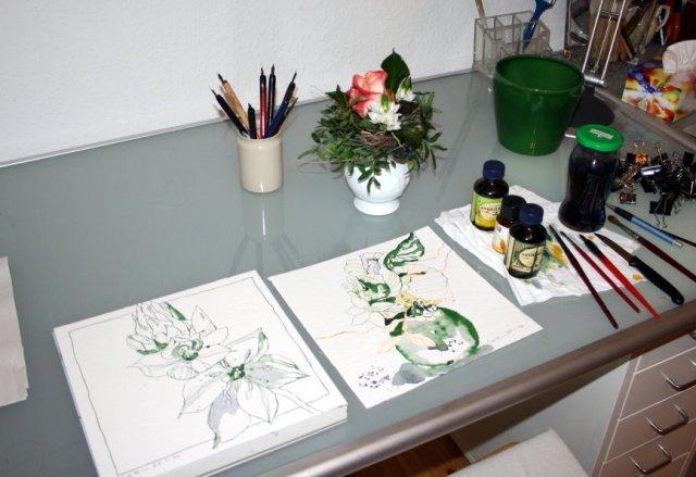Blumenzeichnungen entstehen (c) Foto von Susanne Haun
