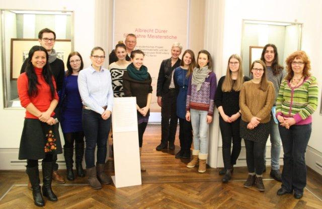 Alle Beteiligten des Studentischen Projekts Ausstellung Albrecht Dürer - 500 Jahre Meiserstiche  (c) Foto von Susanne Haun