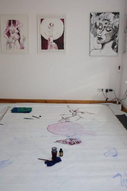 Zwischenstand Vergängliches (c) Zeichnung auf Leinwand von Susanne Haun