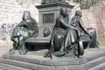 Detail Bronze - Schillerdenkmal im Schillerpark (c) Foto von Susanne Haun