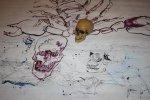 Ich lasse die vorigen Linien stehen und zeichne den Totenkopf auf die Linien (c) Zeichnung auf Leinwand von Susanne Haun