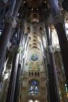 Einblick zur Apsis hin in die Sagrada Familia (c) Foto von Susanne Haun