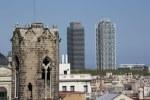 Blick von der Kathedrale La Seu im Gotischen Viertel Barcelona, Gegenüberstellung von alt und neu (c) Foto von Susanne Haun