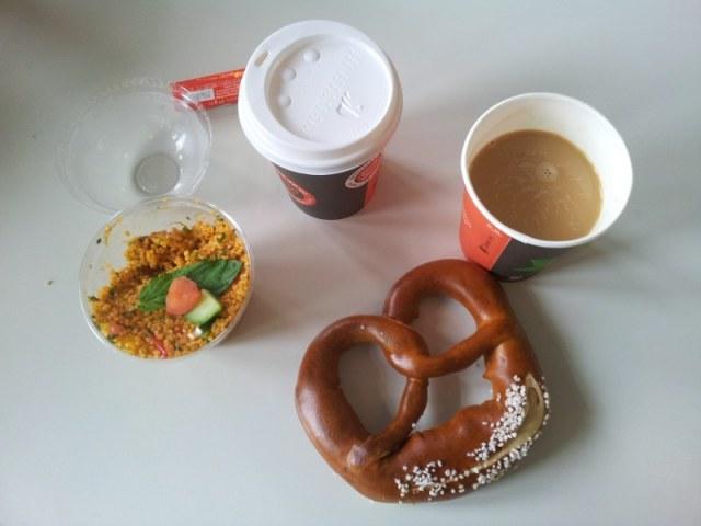 In der Mensa Mittags um 12 (c) Foto von Susanne Haun