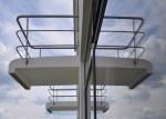 Spiegelung der berühmten Balkons am Studententrackt Bauhaus (c) Foto von M.Fanke