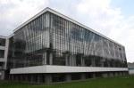 Die Glasfassaden sind vor dem Baukörper gesetzt und haben keine tragende Funktion (c) Foto von Susanne Haun