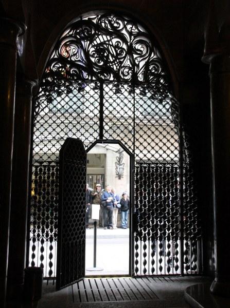 Eingangsbereich des Palau Güell von Innen (c) Foto von Susanne Haun