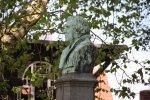 Lutherbüste vor der Nikolaikirche von Grimma (c) Foto von Susanne Haun