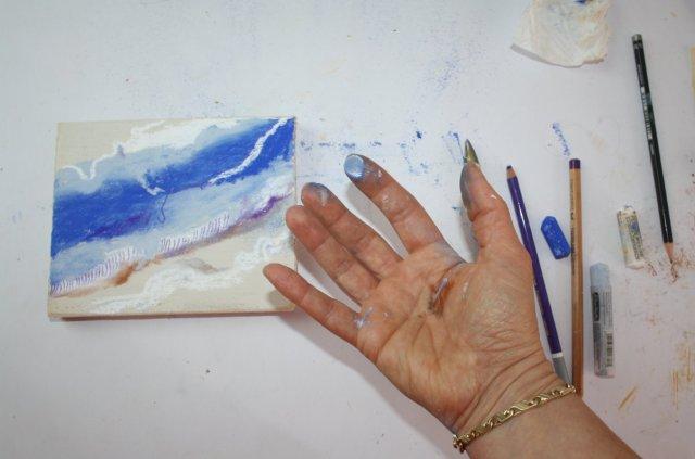 Es macht Spass, mit den Fingern zu malen  (c) Foto von Susanne Haun