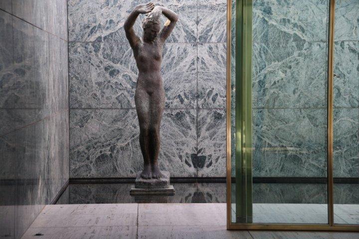 Skulptur von Kolbe im Barcelona Pavillon (c) Foto von Susanne Haun