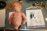 Zum Kind sein gehört eine Puppe (c) Foto von Susanne Haun