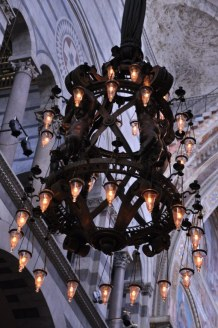 Leuchter im Duome Santa Maria Assunta in Pisa (c) Foto von M.Fanke