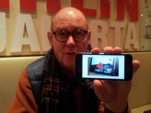 Jürgen berichtet von seinen Erlebnissen (c) Foto von Susanne Haun