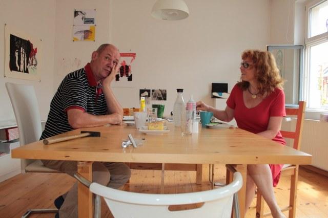 Vorbereitung zum Salon und zur Ausstellung double bind - Engel (c) Foto von Susanne Haun