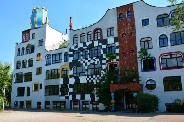 Hundertwasserschule Luther-Melanchthons-Gymnasiums in Wittenberg (c) Foto von M.Fanke