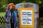 Susanne Haun vor der Ausstellungseröffnung in Roddahn (c) Foto von M.Fanke