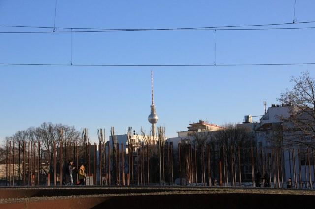 Bernauer Straße - die durchlässige Mauer (c) Foto von Susanne Haun
