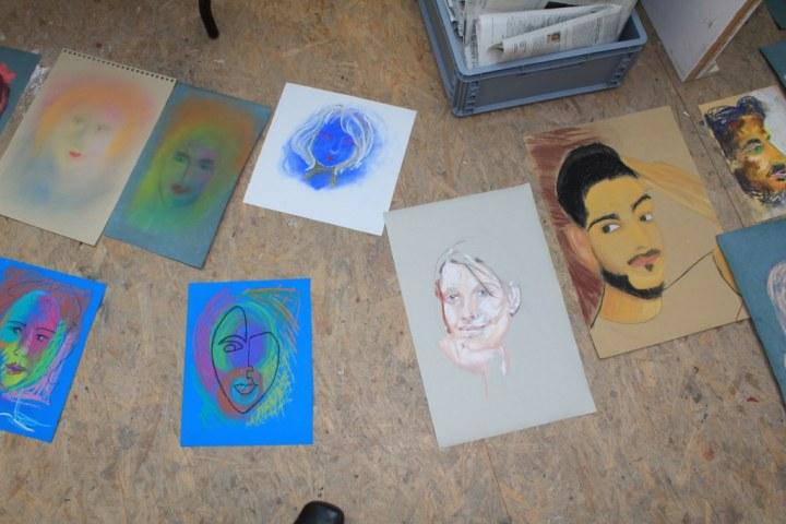 Proportionsstudien im Workshop Portrait in Pastell (c) Susanne Haun