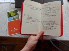 Zuhause gehe ich meine Notizen nochmals durch (c) Foto von Susanne Haun