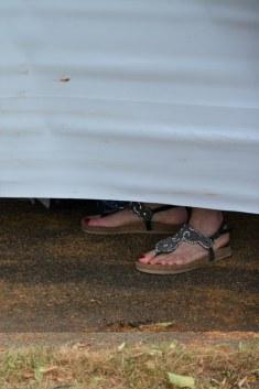 Erkennbare Füße auf dem Weddingmarkt 3. Juli 2016 (c) Foto von M.Fanke